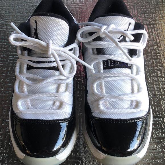 huge discount c3594 ce12e Jordan concord 11 boys shoe